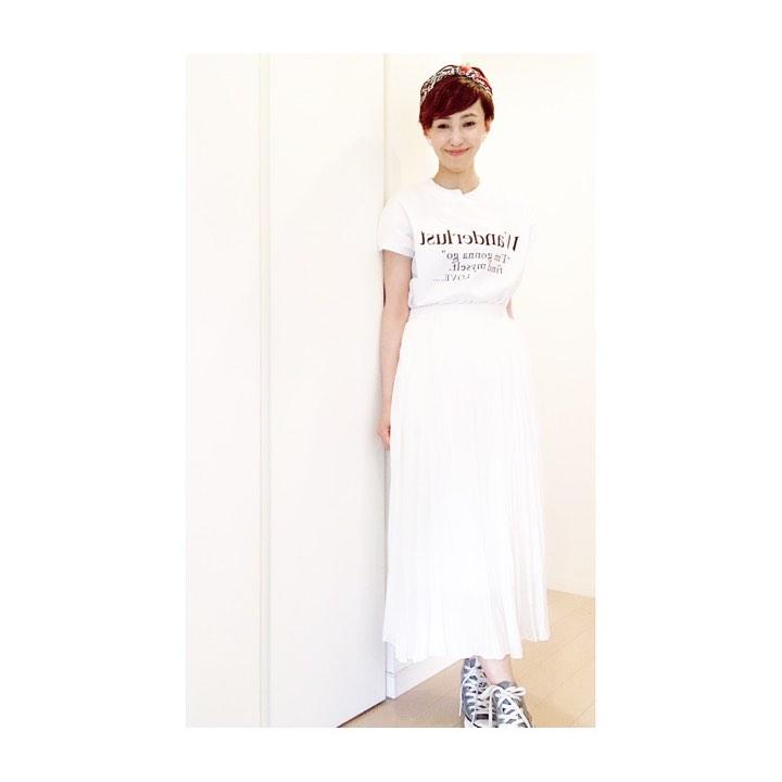 顔タイプエレガント、フレッシュのTシャツコーデ例